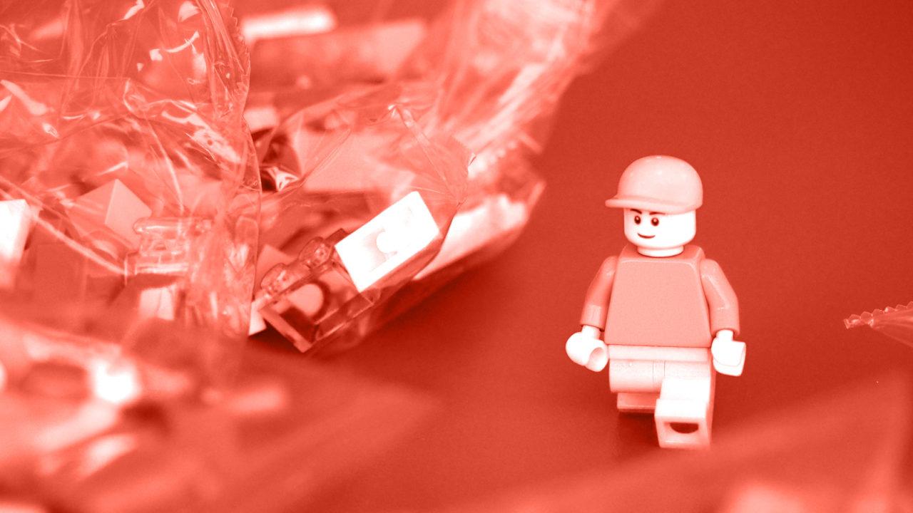 Gehende Lego Figur | Manuel Grassler - LEGO Serious Play Facilitator & Experte für Veränderungsprozesse